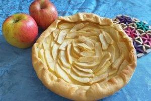Finta crostata di mele con tre ingredienti