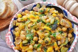Gulasch vegetale con ceci