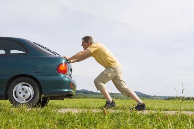 Come far partire l'auto con la batteria scarica