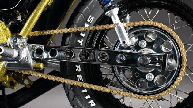 Come cambiare la catena alla moto
