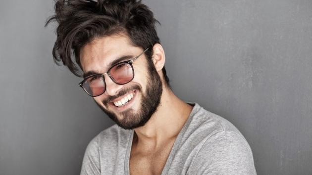 Come curare la barba lunga in modo naturale