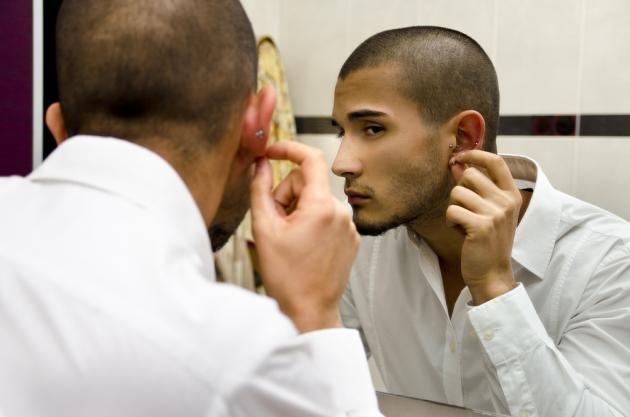 Piercing uomo: ecco dove farlo sul viso