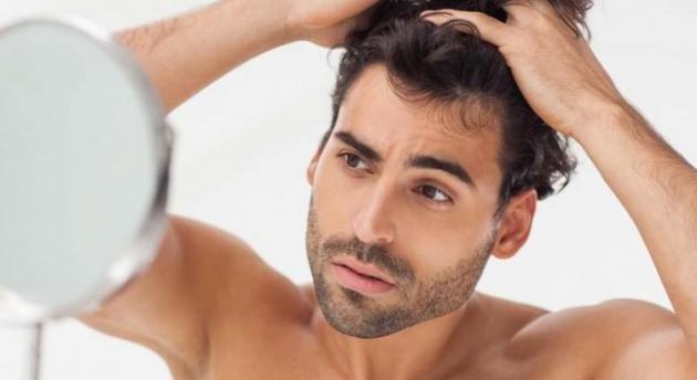 Caduta dei capelli in autunno: come prevenirla ed i rimedi per l'uomo