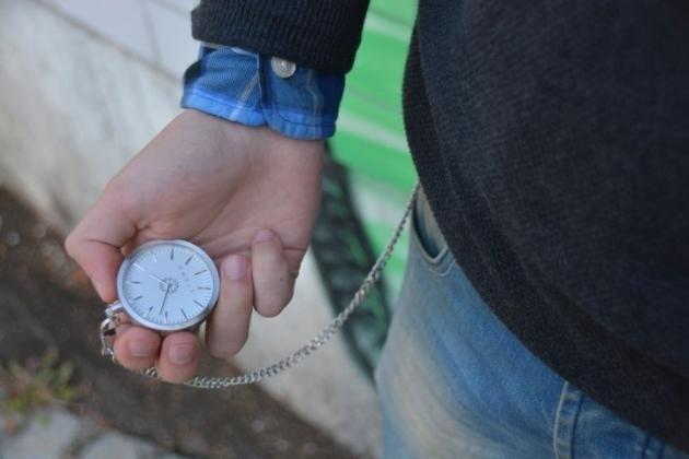 Orologio da tasca: come si indossa? Ecco alcuni consigli di stile