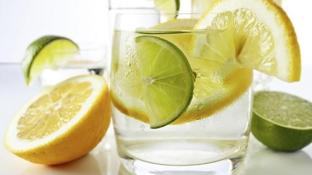 Acqua e limone al mattino: come depurarsi in modo naturale