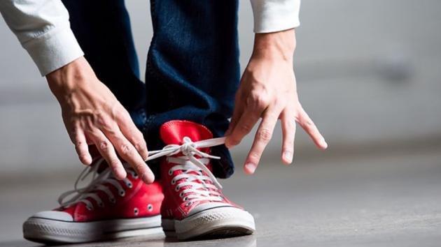 Come allacciare le Converse per uomo