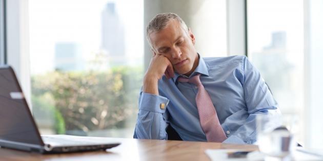 Perché ho sempre sonno? Ecco da cosa può dipendere