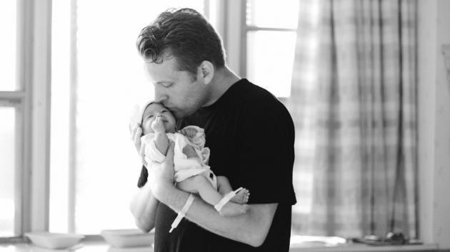 Emozioni post parto: cosa prova un padre