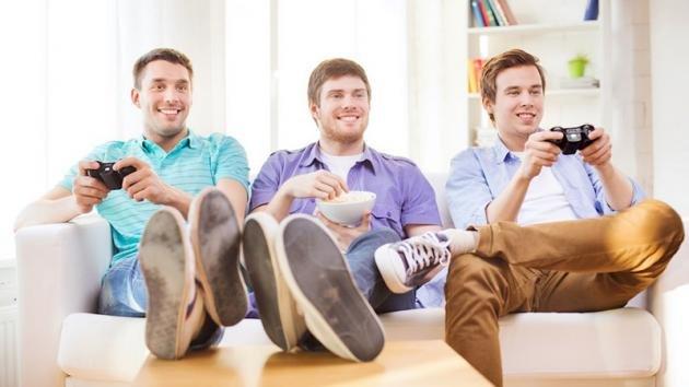 L'amicizia tra maschi è più solida di quella femminile: ecco perchè