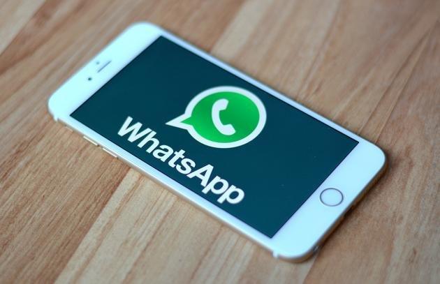 Frasi per Whatsapp: ecco gli stati più originali