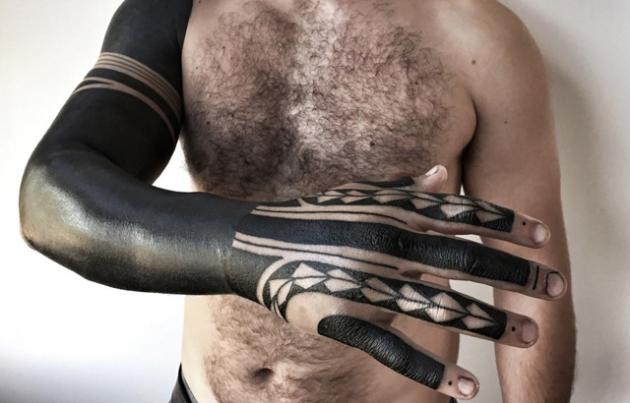 Blackout Tattoo: ecco i nuovi tatuaggi alla moda