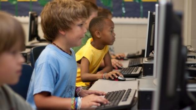 Cosa succede su Code.org al Corso 1, per bambini dai 4 anni in su