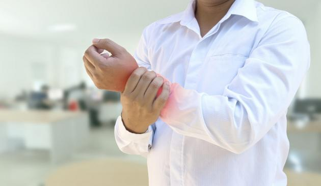 Tunnel carpale: sintomi della sindrome e quando fare l'intervento