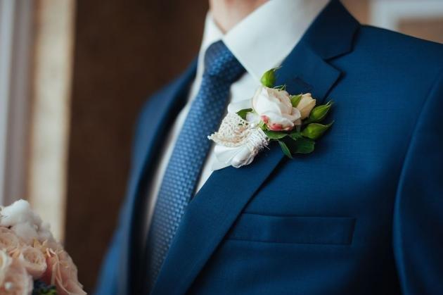 Abito da sposo semplice ma elegante: idee e consigli