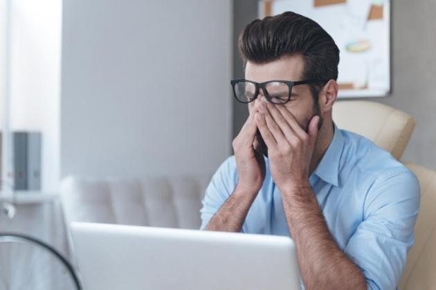 Bruciore agli occhi: cause più comuni e rimedi naturali