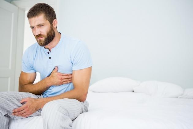 Costola incrinata: sintomi, rimedi e tempi di guarigione