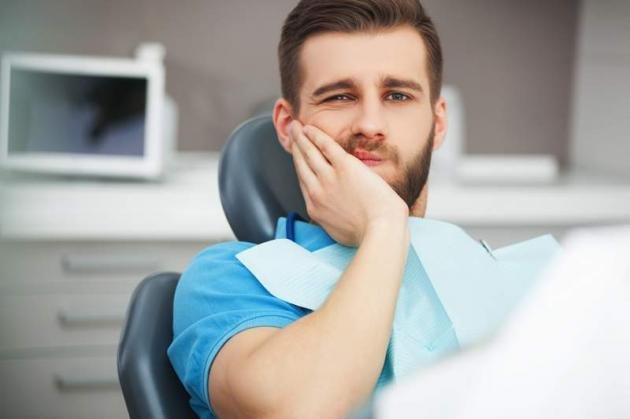 Devitalizzare un dente fa male? Quando farlo e costo