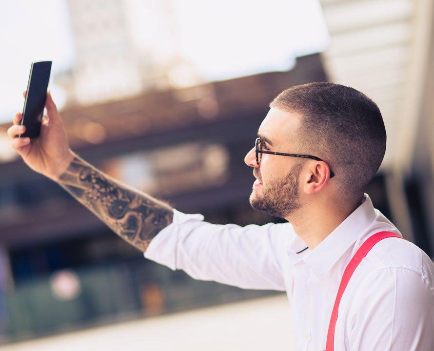 Capelli rasati per uomo: come farli, idee e a chi stanno bene