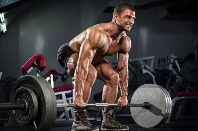 Stacchi rumeni: muscoli coinvolti e come eseguirli correttamente