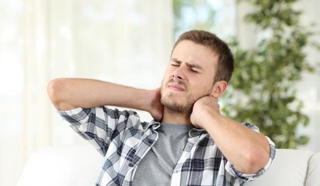 Linfonodi ingrossati sul collo: cause, cure e rimedi