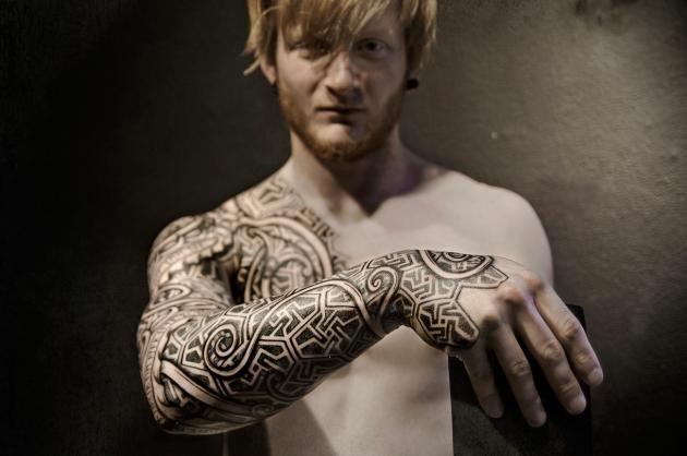 Tatuaggi polinesiani: quali sono e significato dei simboli