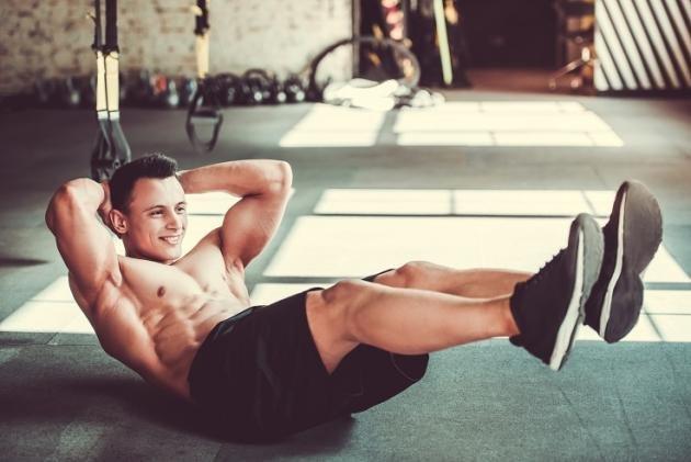 Crunch inverso: quali sono i muscoli coinvolti, come farlo e benefici