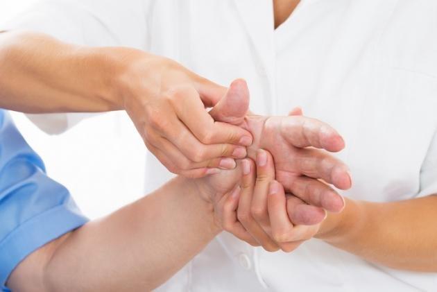 Come curare i geloni alle mani e ai piedi