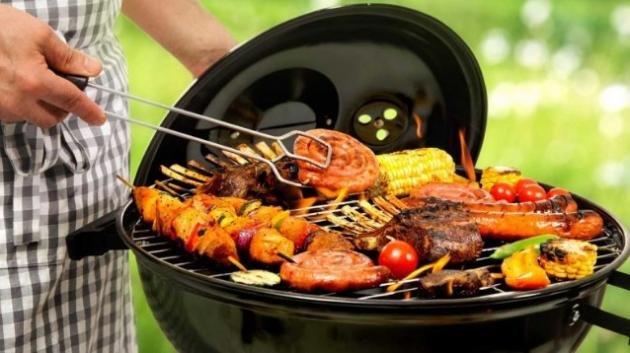 Grigliata perfetta e salutare, trucchi di cottura e alimenti da scegliere