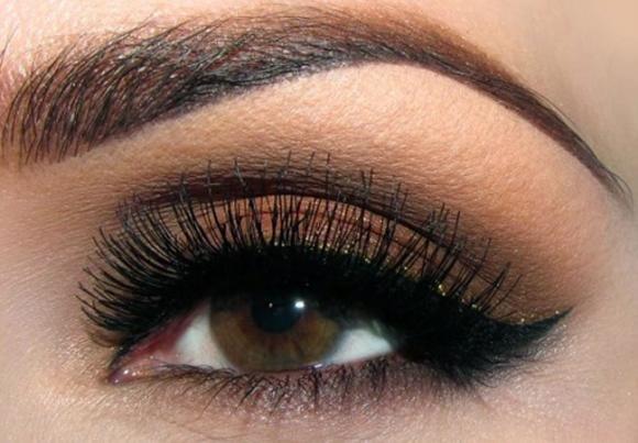 Ecco il make up per valorizzare gli occhi marroni