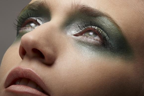 Ecco il make up per valorizzare gli occhi verdi e azzurri