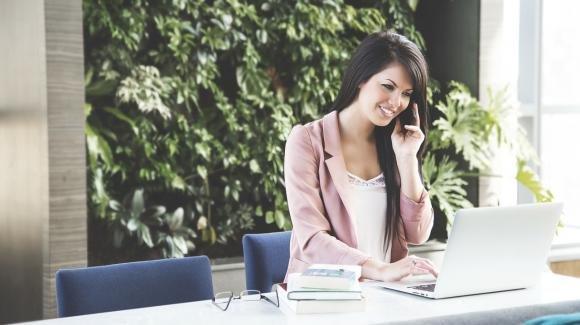 Ecco la postura corretta da assumere in ufficio