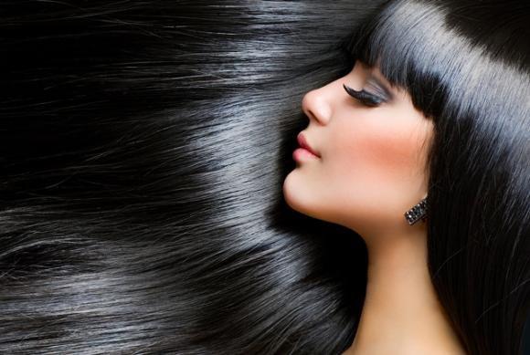 Ecco come avere capelli lisci senza rovinarli