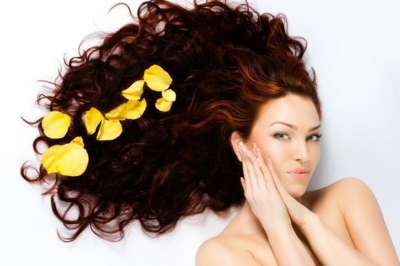 Come curare i tuoi capelli
