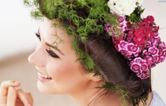La dieta giusta per capelli più sani e forti