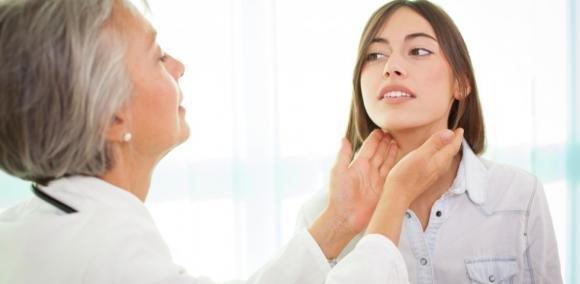 Problemi alla tiroide. Quali sono i sintomi più comuni