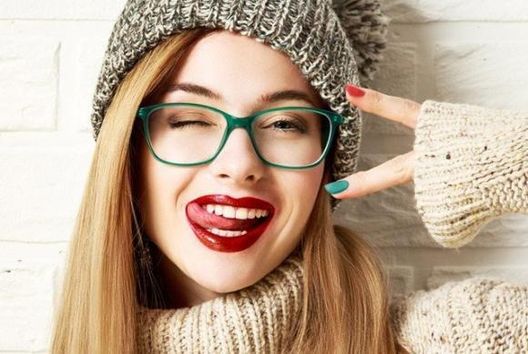 Scopri il make up perfetto per chi porta gli occhiali