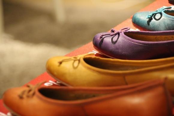 Le scarpe hanno un cattivo odore? Ecco come eliminarlo