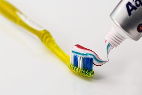 Dentifricio: 10 modi insoliti di utilizzarlo