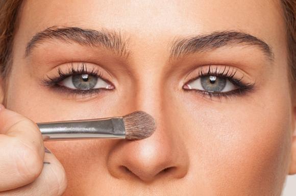 Ecco come mascherare con il trucco i difetti del tuo naso