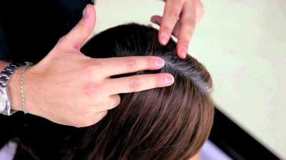 Modi per nascondere la ricrescita dei tuoi capelli