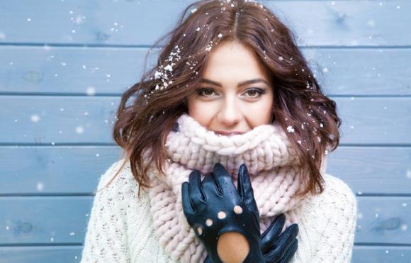 Trucchi per avere capelli splendidi durante l'inverno