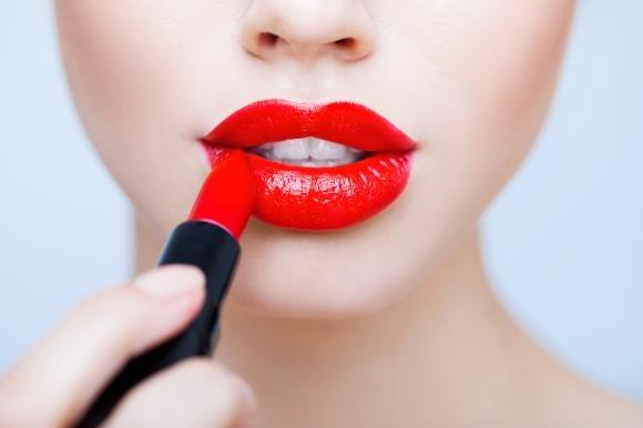 Come scegliere il rossetto rosso adatto a te