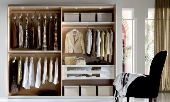 Lo spazio nell'armadio non basta? 5 consigli per aumentarlo