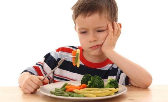 Alimentazione: cosa fare se il bambino non mangia le verdure