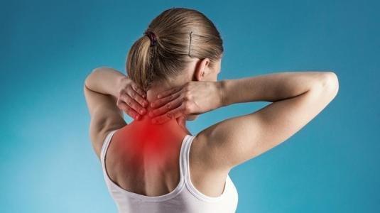 Ecco quali sono i sintomi dell'artrosi cervicale
