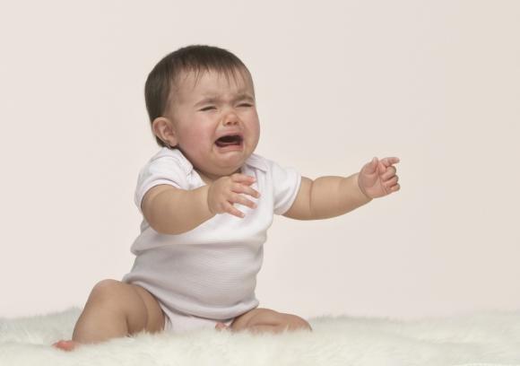 Come comportarsi se il bambino piange sempre all'asilo