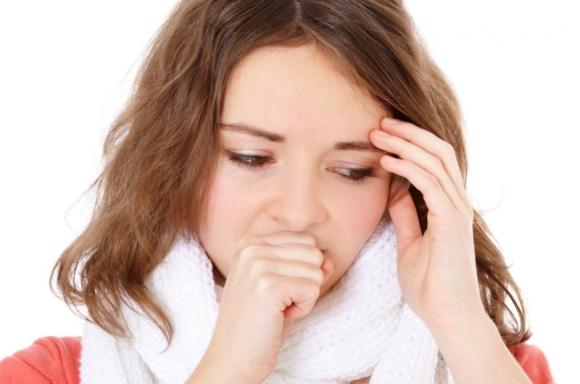 Tosse: ecco i rimedi più efficaci per calmarla