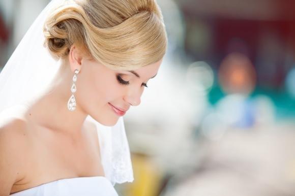 Acconciature sposa: come scegliere la più adatta al proprio viso