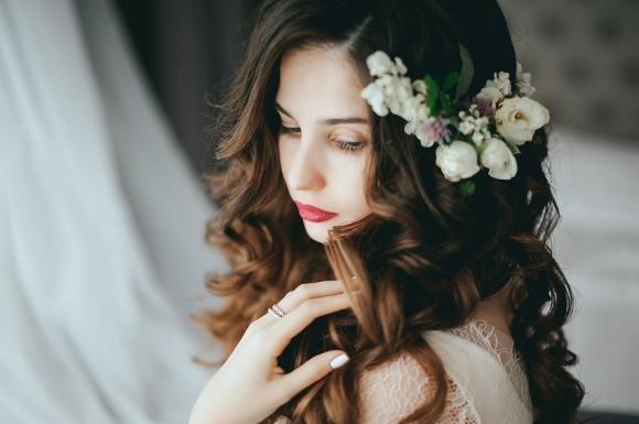 Acconciature sposa per capelli lunghi: ecco alcune idee