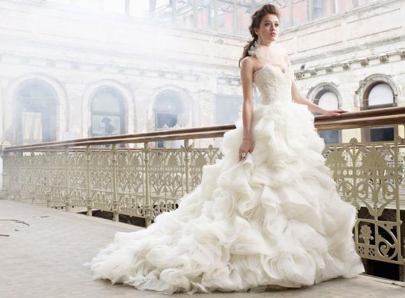 Come scegliere l'abito da sposa giusto per ogni fisico